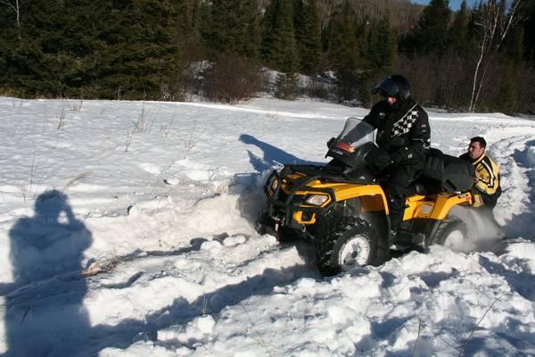quad sur neige