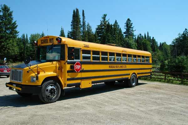Autobus scolaire Québec