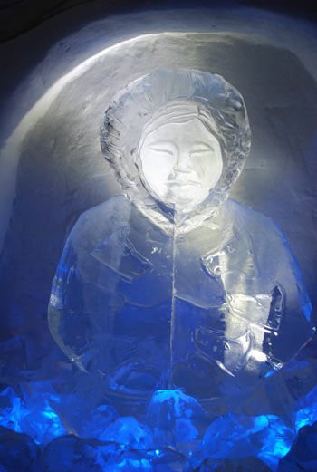 sculpture inuit