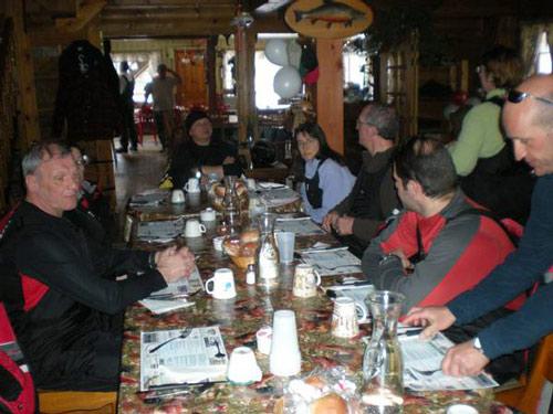a table au quebec