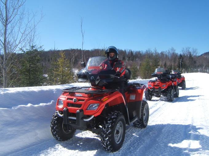 quad sur neige au Canada