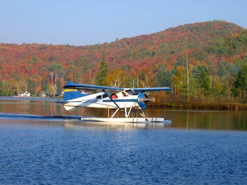 hydravion sur le lac