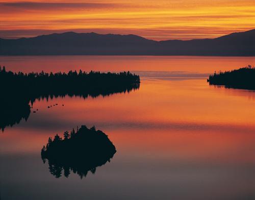 reflet couche soleil lac