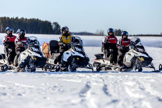 séjour groupe motoneige au Canada