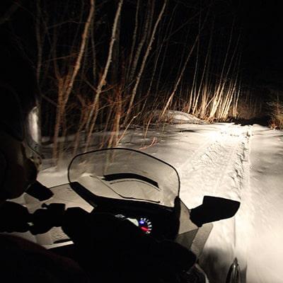 motoneige nuit