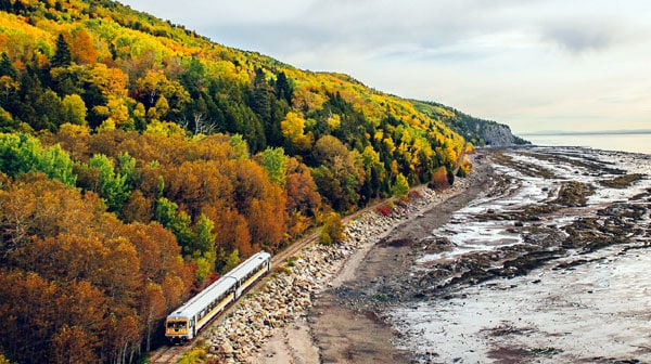 Train charlevoix automne