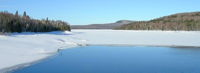 lac gele canada hiver