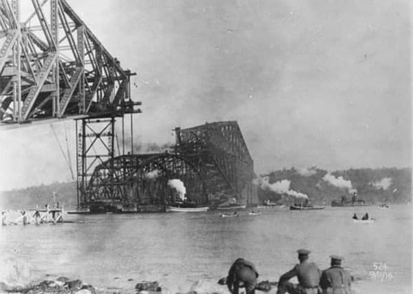 Construction du pont de Québec 1917