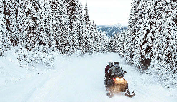 randonnée motoneige canada